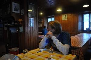 Rifugiolla on kodikas tunnelma...