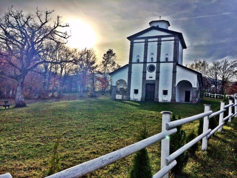 Kaunis kirkko matkan varrelta...