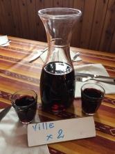 ...viinin ja illallisen äärellä...